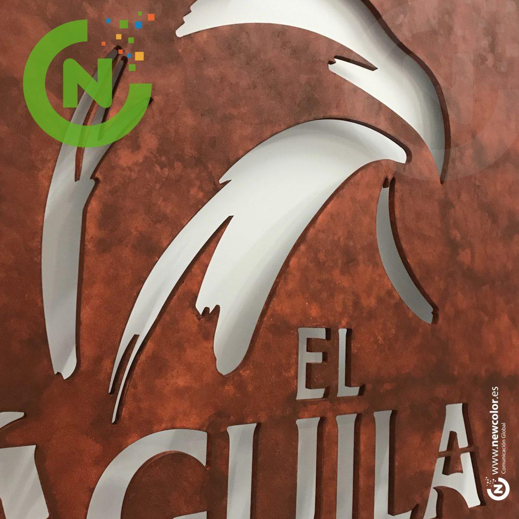 Corpóreo cerveza El Aguila